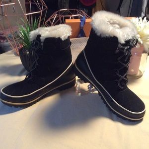 more photos 62b9c 147b5 ESPRIT Shoes | Iridescent Fashionable Moon Boots | Poshmark